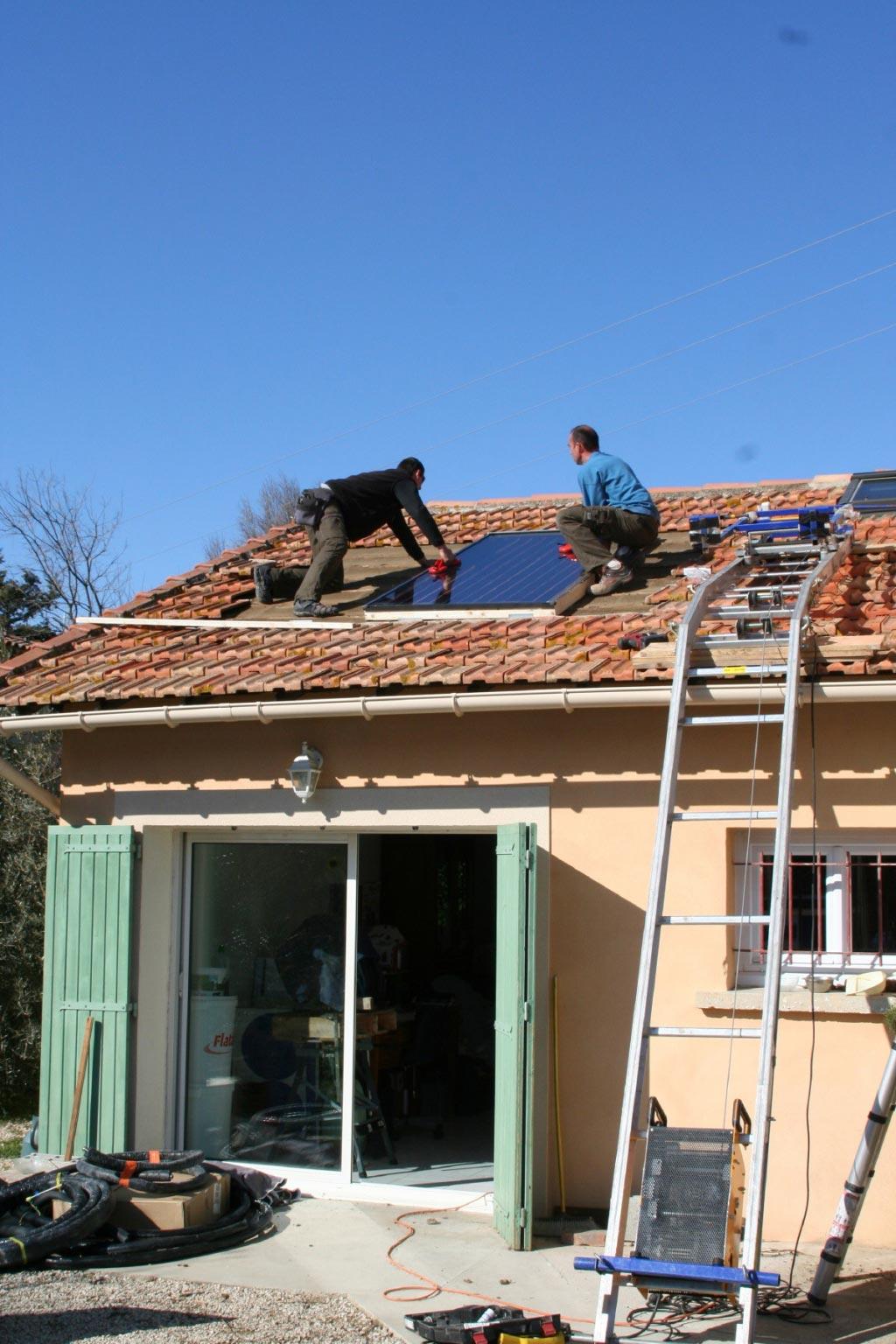 Installation d'un chauffe eau solaire individuel SONNENKRAFT