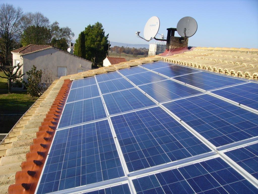 Solaire photovoltaïque 2600 Wc SOLRIF au Puy Sainte Réparade 13 Bouches du Rhône