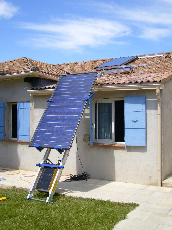 installation d 39 un chauffe eau solaire individuel atlantic avec 2 capteurs thermiques solerio. Black Bedroom Furniture Sets. Home Design Ideas