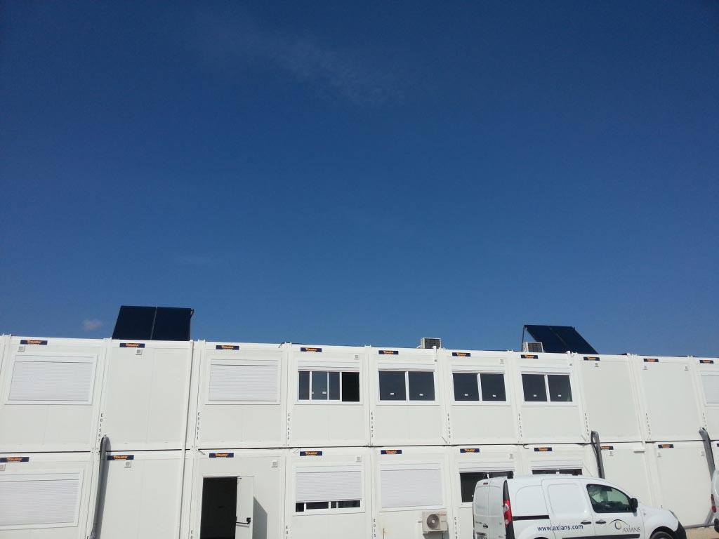 Installation chauffe eau solaire collectif GIORDANO à circulation forçée sur bâtiment industriels